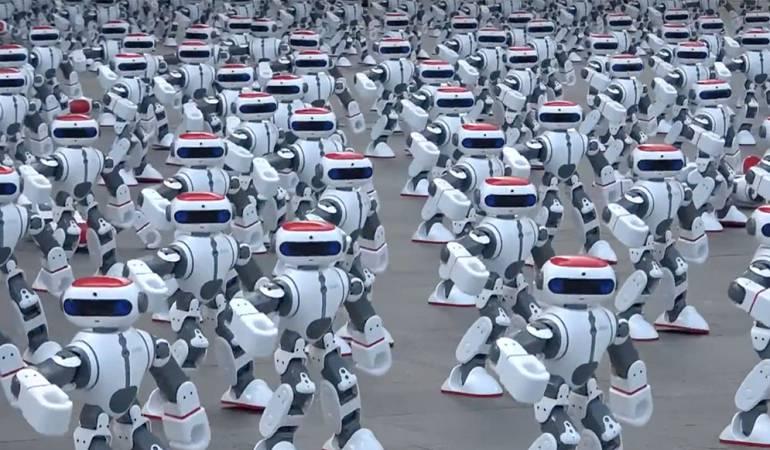 Los robots Dobi bailando en Cantón