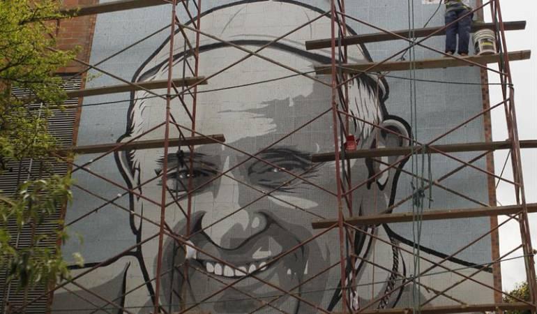 Medellín papa Franciso: El papa Franciso ya tiene su mural en la ciudad de Medellín