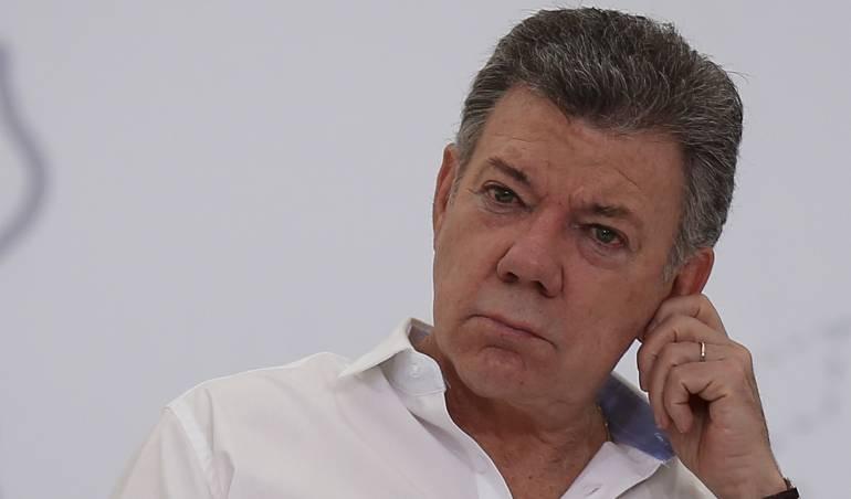Santos pide al CNE archivar investigación en su contra