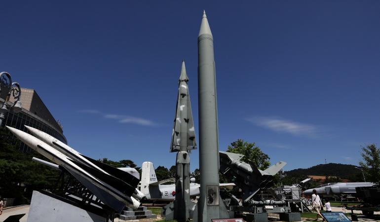 Misil norcoreano sobrevuela Japón y cae al Pacífico