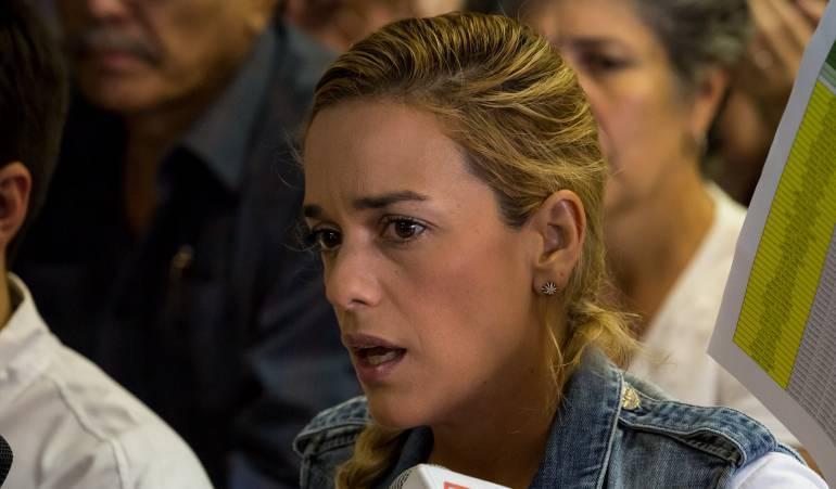 Autoridades venezolanas prohíben la salida del país a Lilian Tintori
