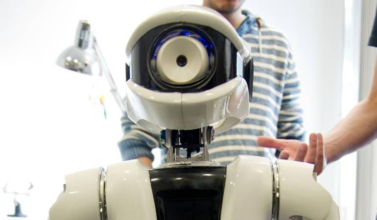 El robot que oficia funerales