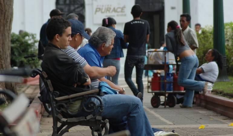 Santos desempleo: Santos dice que la tasa de desempleo deberá bajar a menos del 4,8 %