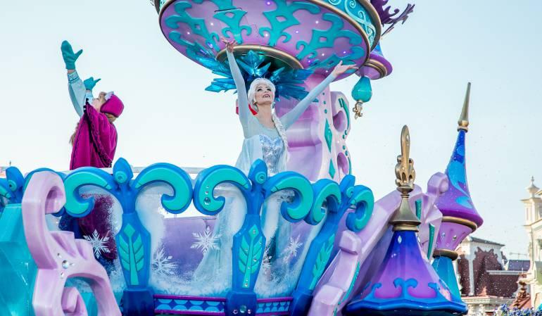 "Disney prohíbe a niño ser princesa por un día: Disney se disculpa por prohibir a un niño ser ""Princesa por un día"""