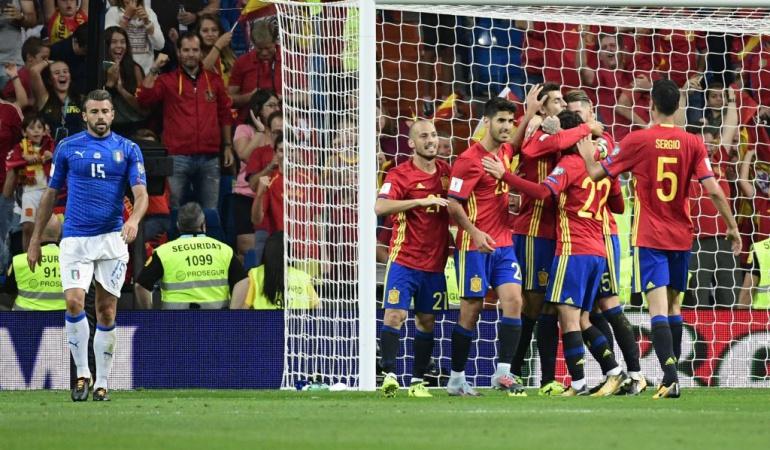 España 3-0 Italia Eliminatorias: España golea a Italia y pone un pie en el Mundial de Rusia 2018