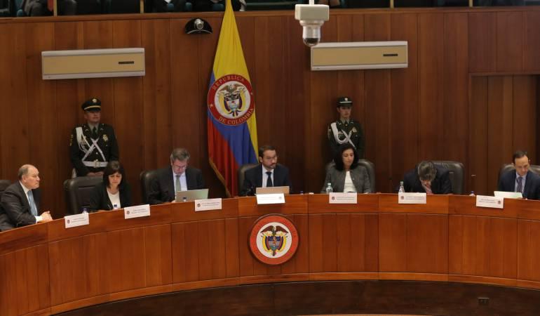 Suspenden debate en la Corte sobre blindaje del acuerdo por recusación