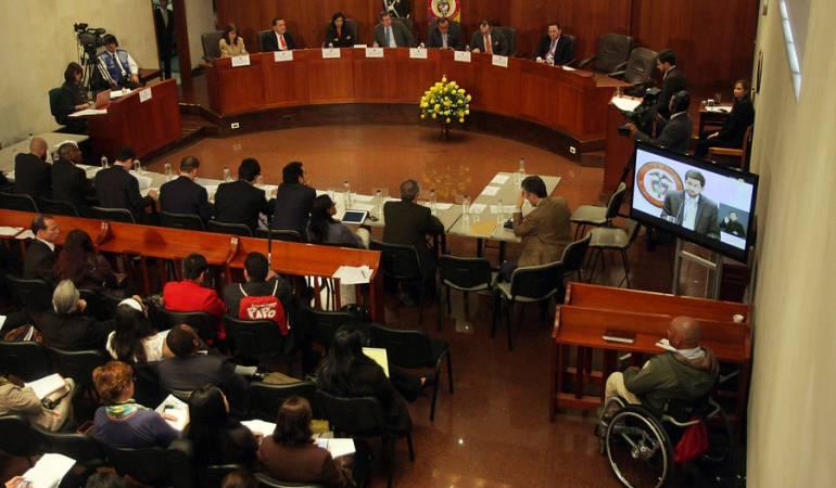 Corte Constitucional suspende debate de blindaje jurídico de los acuerdos de paz