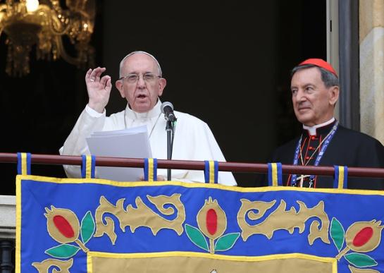 """EN VIVO: VISITA DEL PAPA FRANCISCO A COLOMBIA: """"Que las dificultades no los opriman, que la violencia no los derrumbe, que el mal no los venza"""": papa Francisco"""