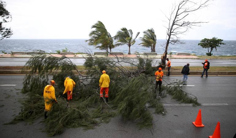 Huracán Irma: Cierran Walmart y Disney en Florida por paso de Irma