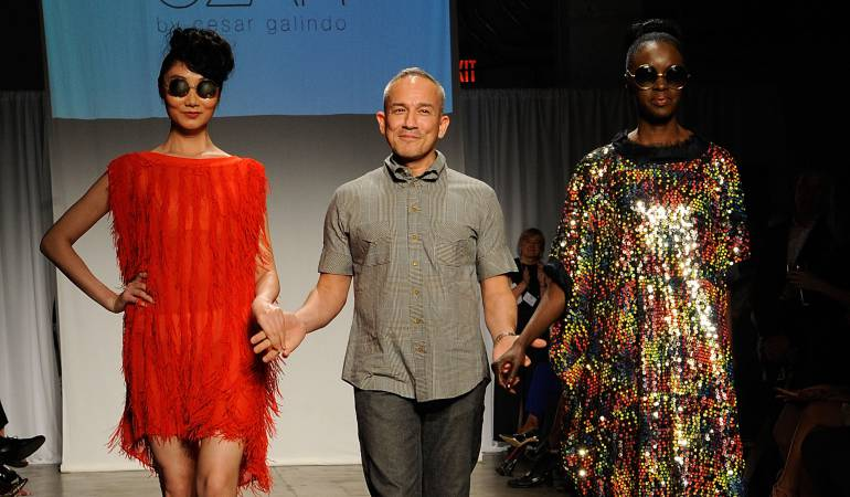 César Galindo y sus modelos durante los Kota Sustainable Style Fashion Awards.