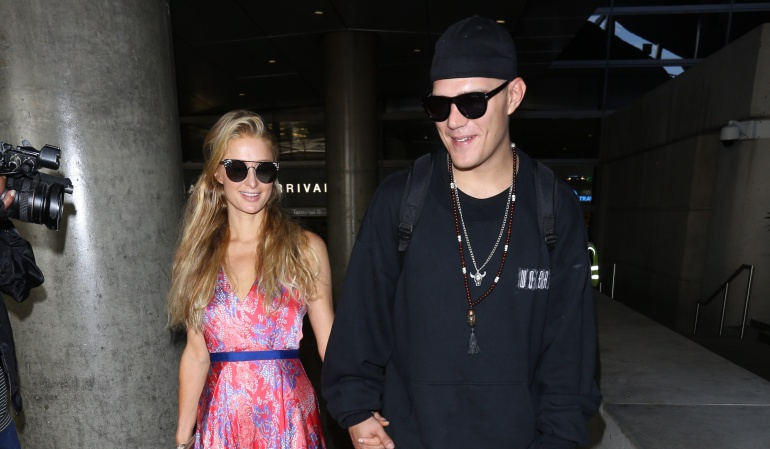 Paris Hilton y su novio, el actor Chris Zylka.