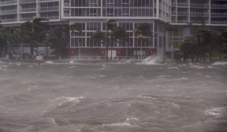 26 vuelos del Juan Santamaría cancelados por huracán Irma