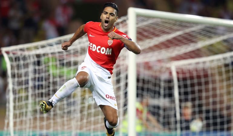 Falcao Garcia: Falcao García, entre los nominados a mejor jugador de agosto en Francia