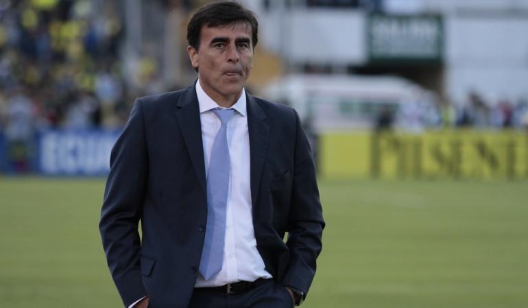 Gustavo Quinteros: Federación ecuatoriana está a la espera de que Quinteros renuncie a la Selección
