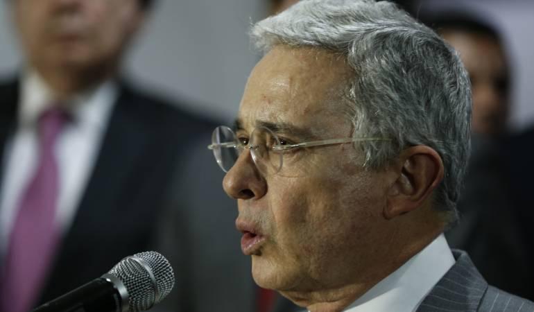 """Respuesta de Uribe a solicitud de investigación en su contra: """"Contradictores quieren judicializarme, porque los he enfrentado"""": Uribe"""
