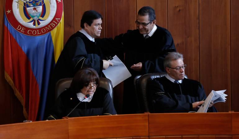 Gustavo Malo en compañía de otros magistrados.