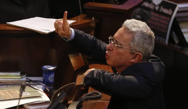 Caso Samper y Uribe: Corte ordena al expresidente Uribe eliminar trinos calumniosos contra Daniel Samper