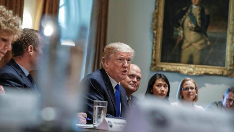 """Demócratas acuerdan con Trump proteger a los """"soñadores"""" con una ley"""
