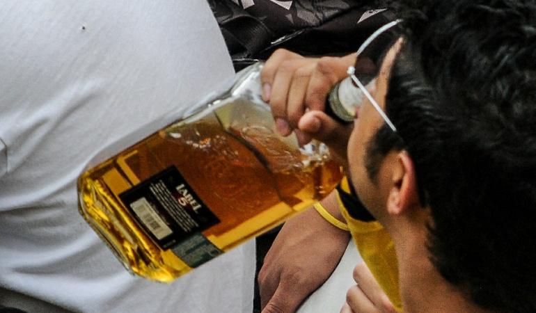 Proyecto de ley busca ampliar edad para consumir alcohol