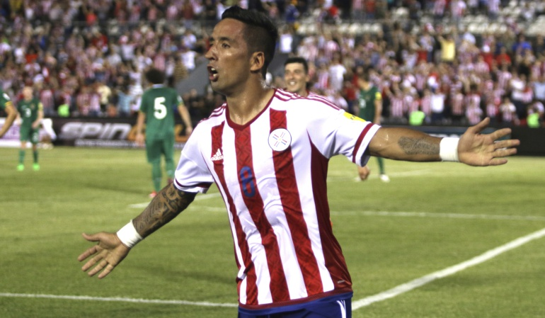 Lucas Barrios Paraguay: Lucas Barrios se lesionó y es baja de Paraguay para enfrentar a Colombia