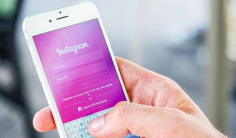 ¿Cuánto tiempo duran los colombianos en redes sociales?