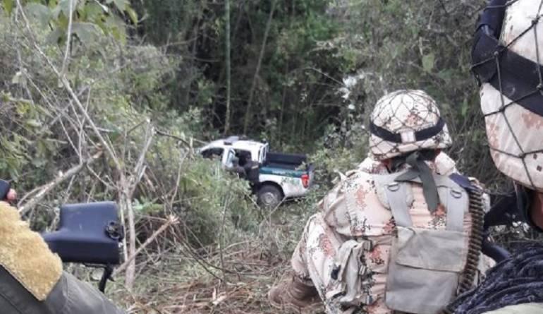 Después de acribillarlos a los policías en Cauca los robaron