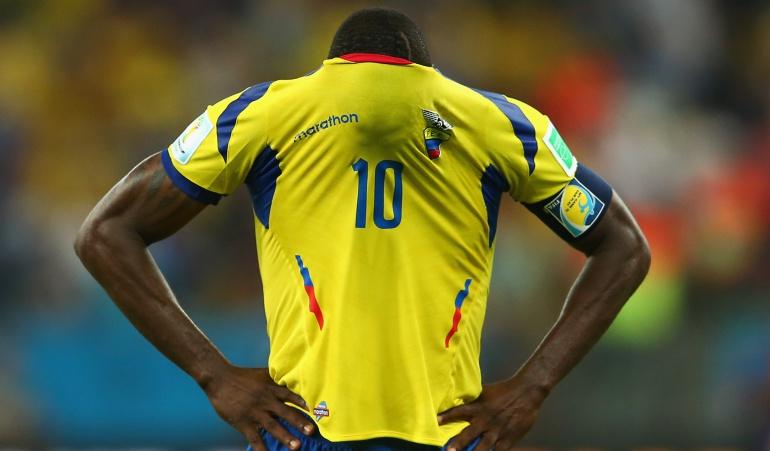FIFA multó a Ecuador por cantos homofóbicos en el partido ante Perú