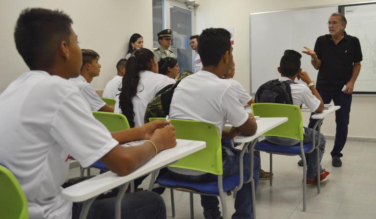 """Estudiantes del programa """"Ser pilo paga""""."""