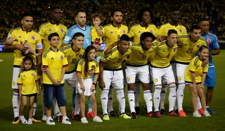 James Rodríguez equipo de hermanos Fe: Somos un equipo de hermanos... hoy más que nunca nos une la Fe: James