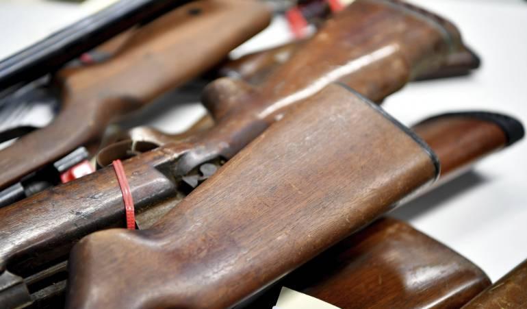 Feria de armas en EEUU genera polémica: A menos de una semana de la masacre en Las Vegas, se estrena nueva versión de la Feria de Armas