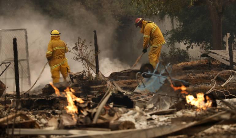 Incendios en California dejan 10 muertos: Incendios en California dejan 10 muertos y 29.000 hectáreas consumidas