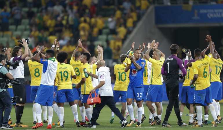 Brasil Chile: Brasil golea a Chile y lo deja sin Mundial