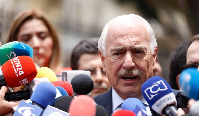Manuel Santos Pastrana: Pastrana pidió juicio de indignidad contra Juan Manuel Santos