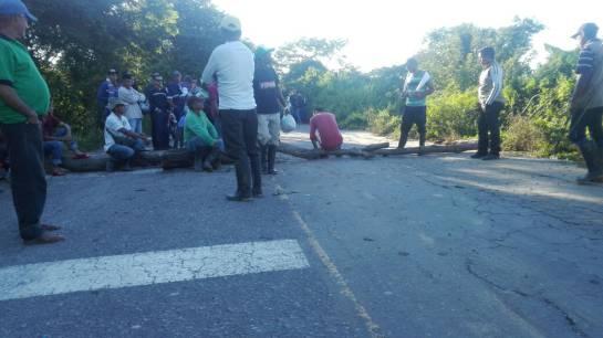 Arauca área petrolera: Manifestantes no permiten paso en área petrolera del departamento de Arauca
