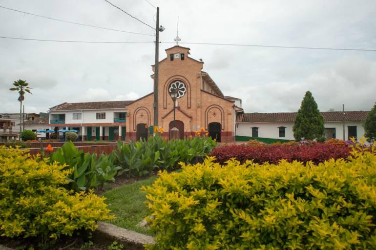 17 municipios antioqueños serán favorecidos por la venta de Isagén
