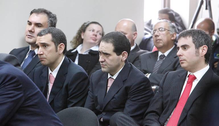 Los primos Nule carrusel de contratos Bogotá Corrupción: Los primos Nule pagarán 19 años de prisión por carrusel de contratos