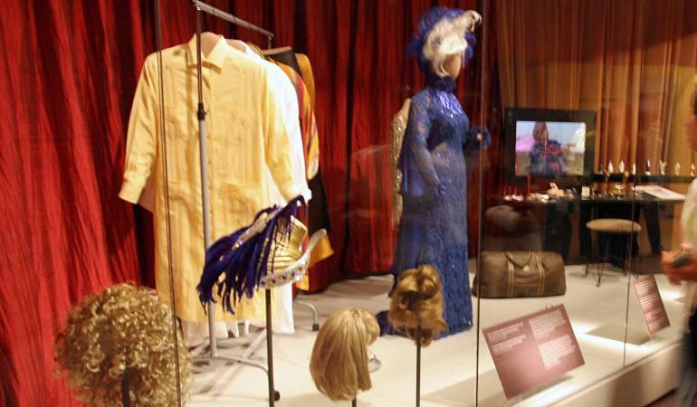 """""""¡Celia vive! La vida y música de Celia Cruz"""", exposición: Icónicos vestidos de Celia Cruz se exhiben por primera vez en R.Dominicana"""