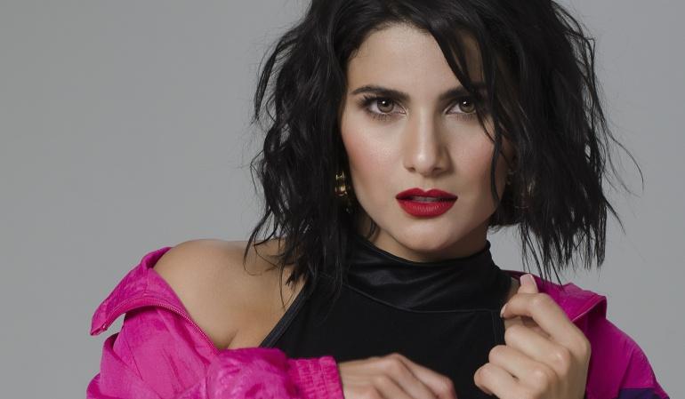 """Nuevo video musical de Martina La Peligrosa: ¿Por qué Martina La Peligrosa lanza video distorsionado de """"Cuando me recuerdes""""?"""