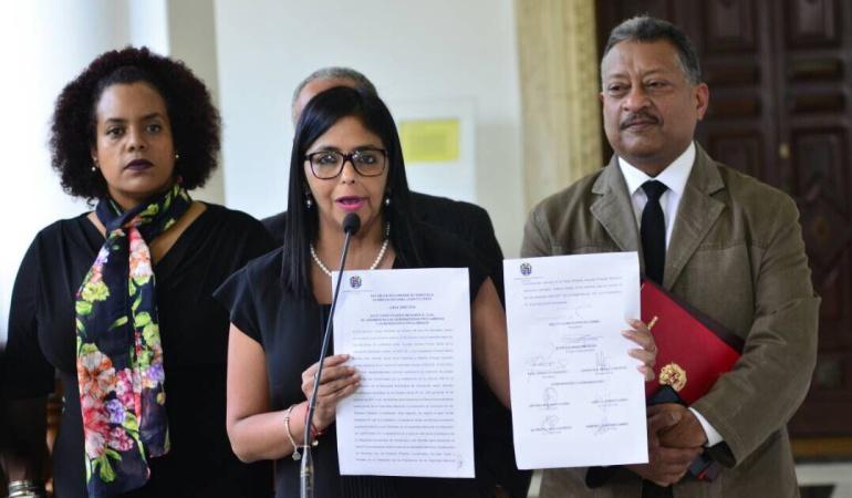 Elecciones en Venezuela: Cuatro de 5 gobernadores opositores venezolanos jurarán ante la Constituyente