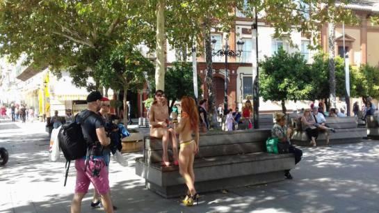 Graban película porno en las calles de Sevilla: Graban película porno a la luz del día en Sevilla