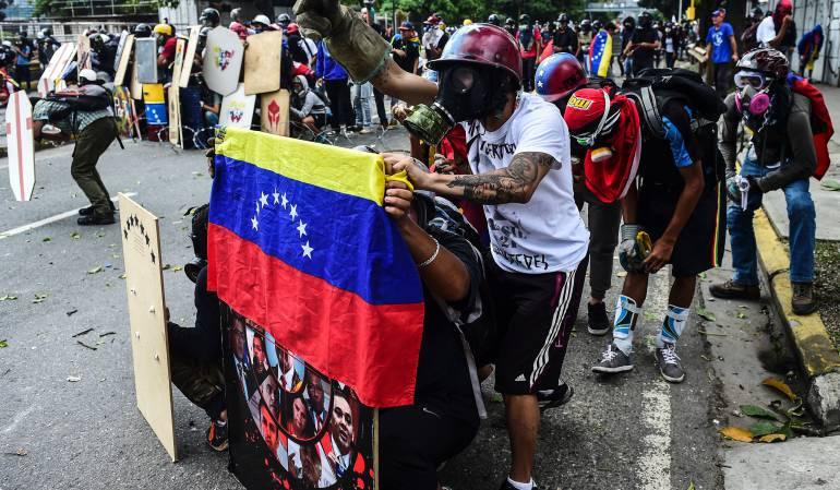 Venezuela crisis politicia Constituyente Oposición venezolana: Oposición venezolana critica a gobernadores que juramentaron ante Constituyente