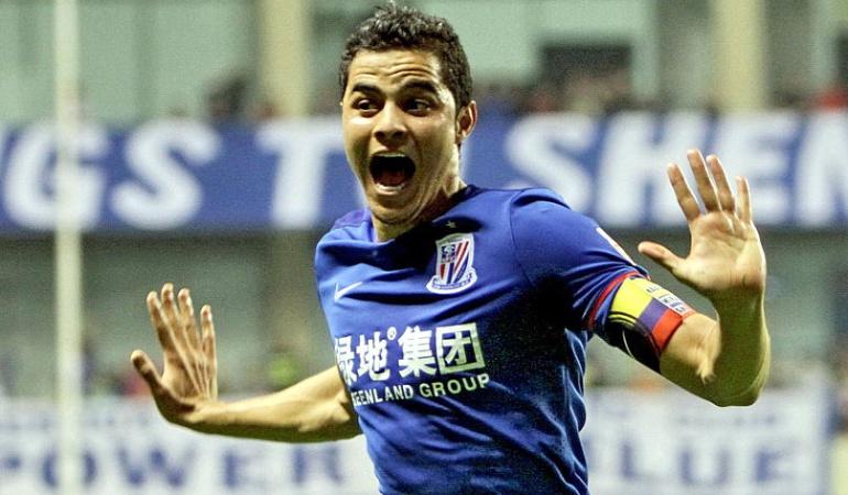 Tévez marcó en la goleada del Shanghai