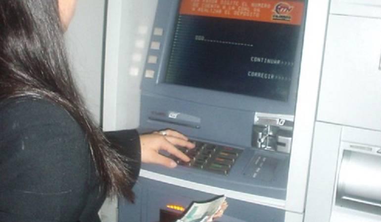 Superintendencia Financiera Bancos: Clientes de Bancos podrán realizar retiros sin ningún costo