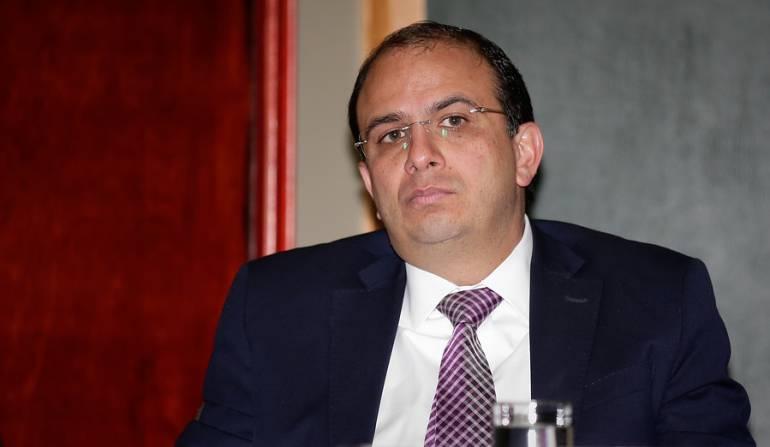 Carlos Camargo presentó su renuncia al CNE