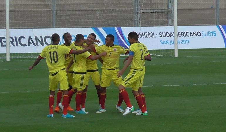 Colombia 3-2 Argentina Alegría Sudamericano Sub-15: Con 'Alegría', Colombia vence a Paraguay y recupera terreno en el Sudamericano Sub-15