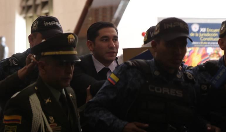 Capitán que amenazó a Gustavo Moreno tenía permiso para visitarlo: Ejército