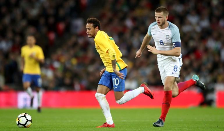 Brasil empató con Inglaterra: Brasil e Inglaterra no se sacaron diferencias en Wembley