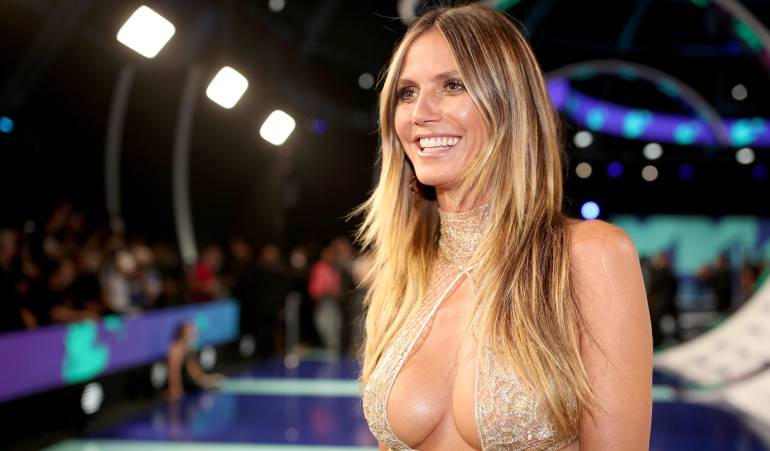 Heidi Klum desafía a Instagram con sensual desnudo en la playa