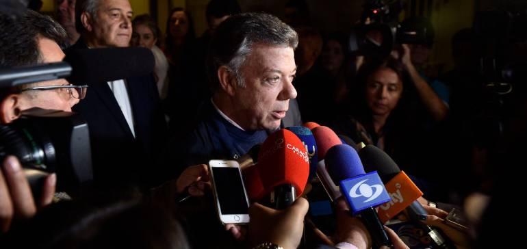 """Reunión Santos Timochenko: """"El vaso de la paz está medio lleno y juntos lo vamos a llenar"""": Santos y Timochenko"""