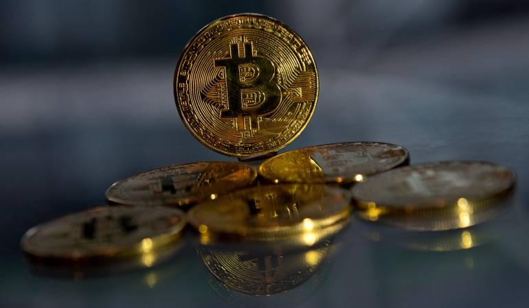 Temor por usar cajero de bitcoin en PEreira: Primer cajero de Bitcoin en Colombia está en Pereira, pero la gente teme utilizarlo